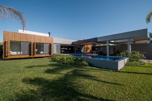 Casa do Laranjal by Rmk! Arquitetura