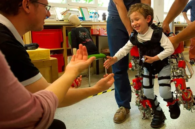 Here's a Pint-sized Exoskeleton That's Helping Disabled Kids Walk!