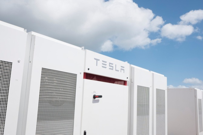 Deepwater Wind's U.S. Offshore Wind Farm Proposal Stores Powers using Tesla Powerpack Batteries