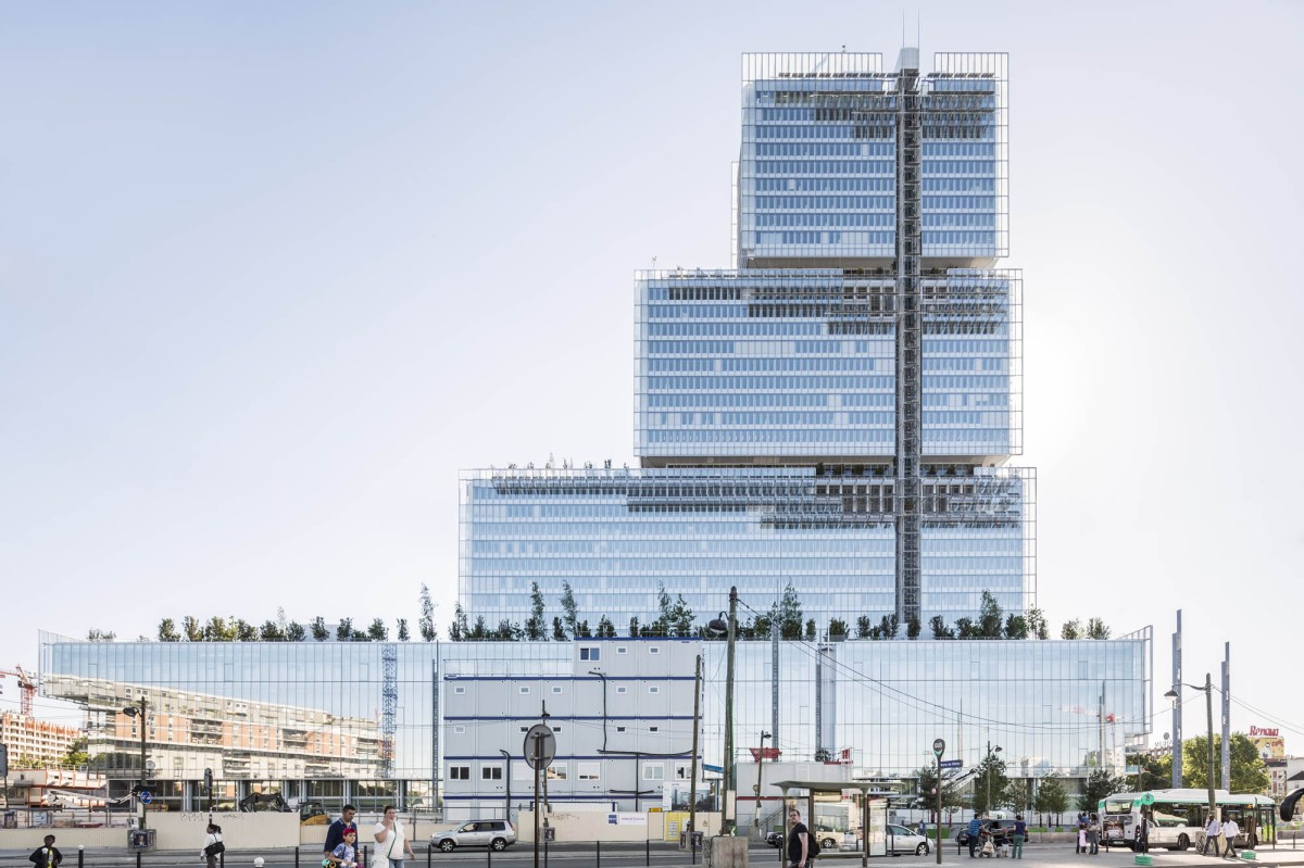 The Paris Courthouse, with Green Roof Landscapes, by the Renzo Piano Building Workshop